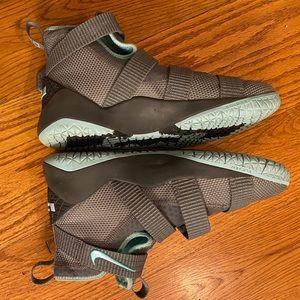 Nike Youth LJ Sneakers, Gray